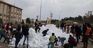 Eyyübiye'de 'kar topu savaşları' başladı