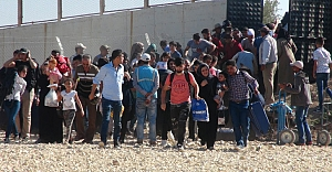 Binlerce Suriyeli ülkesine döndü…