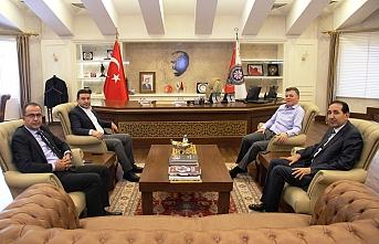 3 Başkan yeni Müdürü ziyaret etti