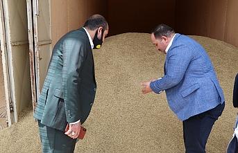 Ekinci, Buğday Pazarı esnafının sorunlarını dinledi