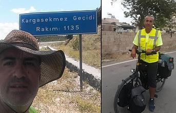 1300 km yolu bisikletle geldi...