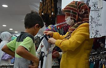 Siverek Belediyesi bayram öncesi 650 çocuğu sevindirdi