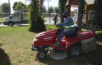 Siverek'te parklarda çalışma başlatıldı
