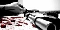 Dükkanının önünde tüfekle öldürüldü