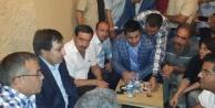 Suriye'lileri kucaklayan Vali...