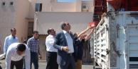 Suriye'ye 2 yardım tırı gönderildi