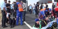 Suruç'ta polisleri taşıyan minibüs kaza yaptı