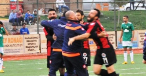 Karaköprü Belediyespor zirveyi geri aldı