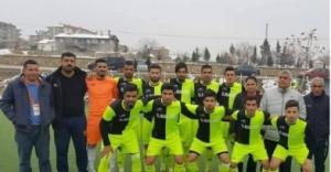 Suruç Gençlikspor zirveyi kovalıyor