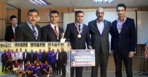 Turnuvada Dereceye Girenlere Ödülleri Verildi