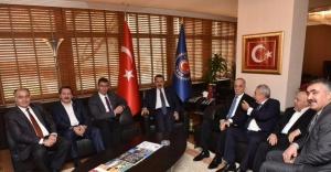 Bakan Çelik, Türk-İş'i ziyaret etti