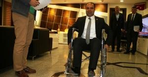 Engelliler için empati kuran başkan!