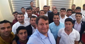 Başkan Ayhan akil gençleri evinde ağırladı