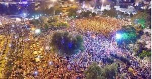 Urfa'da yüzbilerce kişi sokaklara döküldü..