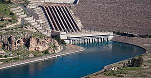Atatürk Barajı pislikten kurtuluyor