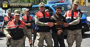 Jandarma 2 kişiyi yakaladı, 3'üncü kişi aranıyor