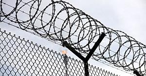 Hapishanede facia 11 ölü, 900 mahkum firar