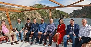 Urfa'da tarihi ve turistlik yerleri gezdiler