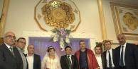Düğünde buluştular.