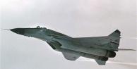F-16'lar Suriye sınırında