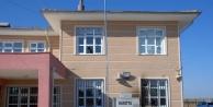 Hilvan'da İki Okula Molotof Atıp, Bayrak Yaktılar!
