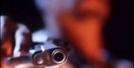 İki kardeş tabancayla vuruldu