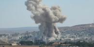 Kobani'nin merkezini vurdular