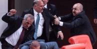 Meclis karıştı, Urfalı vekil yaralandı