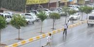 Sağanak yağış geldi