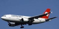 Uçak yolcuları mağdur oldu