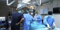 Kesiksiz karaciğer ameliyatı yapıldı