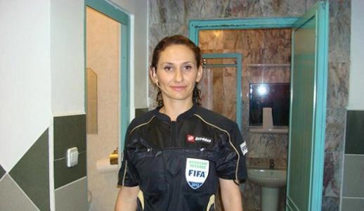 Urfaspor maçına kadın...