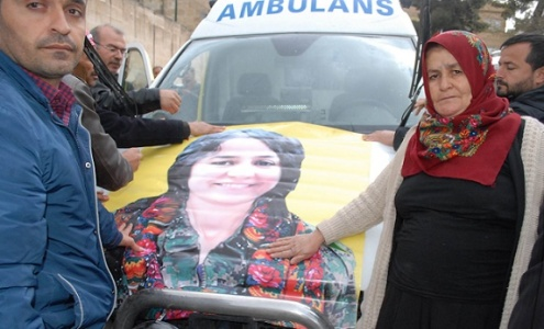 Urfa'ya gelip kızının cenazesini aldı!
