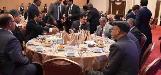 Vali Küçük Türkmen aileleriyle bir araya geldi