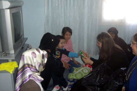 Zeynep Kotan mağdur aileleri sevindirmeye devam ediyor