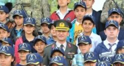 Öğrenciler, Şanlıurfa İl Jandarma Komutanlığında