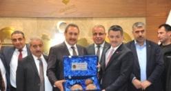 Tarım Bakanı Pakdemirli Urfa Ticaret Borsası'nı ziyaret etti