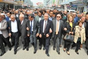Birecik Belediye Başkanı seçilen Mirkelam coşkuyla karşılandı
