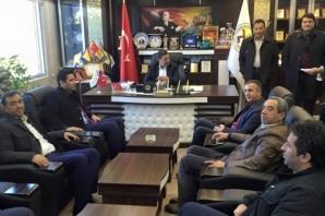 AK Parti Şanlıurfa Milletvekili İbrahim Halil Yıldız, Harran İlçesinde esnafın sorunlarını dinledi