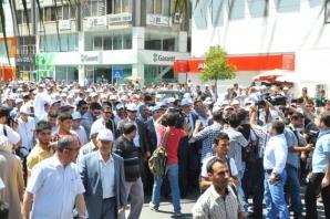 Erdoğan'a destek için bankaya akın ettiler...