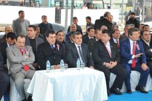 Şanlıurfa'da 3'üncü Yapı İnşaat Dekorasyon Fuarı bugün açıldı.