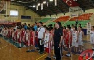 12 Dev Adam Basketbol Okulları 11.Türkiye Ligi Şöleni...