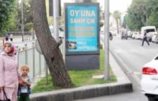 Bu afiş Urfa'da...