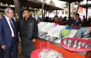 Demirkol, pazarcı esnafını ziyaret etti