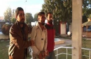 Erdoğan'a hakaretten 2 kişi tutuklandı
