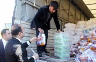 Suriye'ye 2 Tır yardım gitti