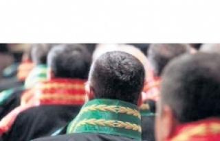 Urfa'da görev yapan 2 hakim hakkında şok karar....