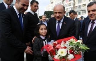 Bakan Işık, Büyükşehir'i takdir etti