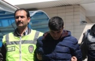 Altın Poşeti Diye Kargo Kutusunu Alınca Yakalandı