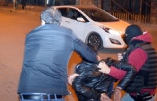 Ses bombası atan 1 kişi yakalandı